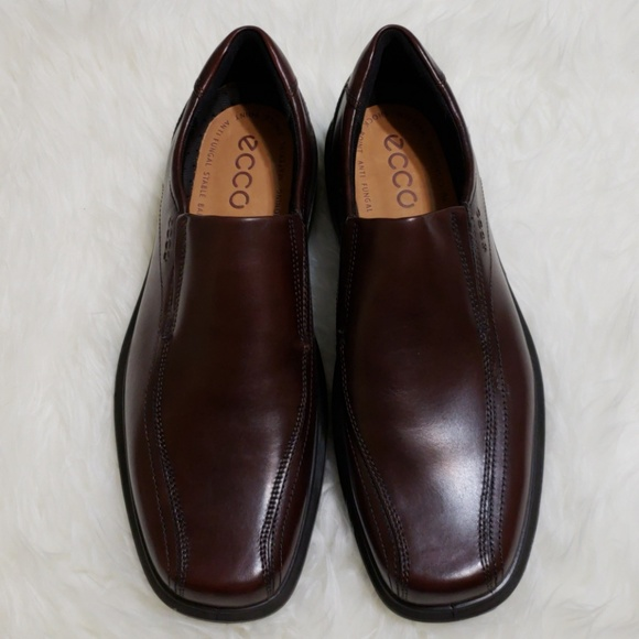7d2386d1d13 ecco Other - ECCO Men s Leather Shoes Slip On Rust
